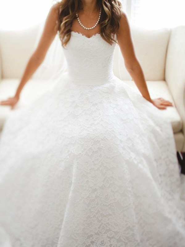 Cathedral Train A-Line/Princess Sleeveless Sweetheart Lace Wedding Dresses