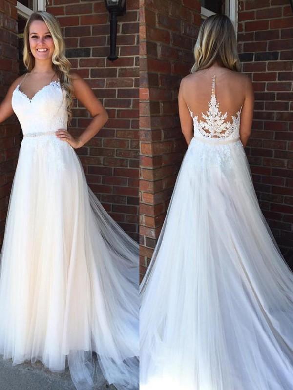 Court Train A-Line/Princess Sleeveless Scoop Tulle Wedding Dresses