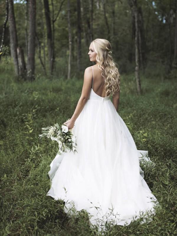 Court Train A-Line/Princess Sleeveless V-neck Tulle Wedding Dresses