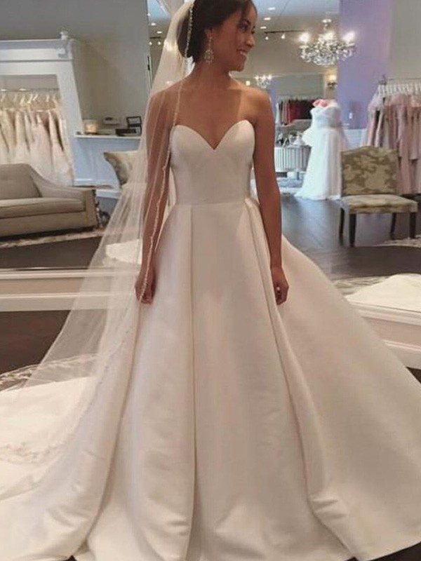Court Train Ball Gown Sleeveless Sweetheart Satin Wedding Dresses