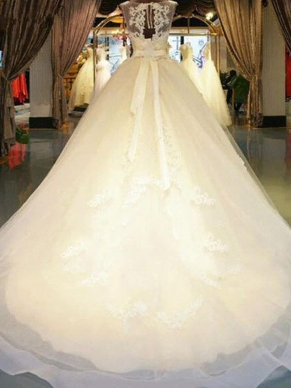 Sweep/Brush Train Ball Gown Sleeveless Off-the-Shoulder Lace Wedding Dresses