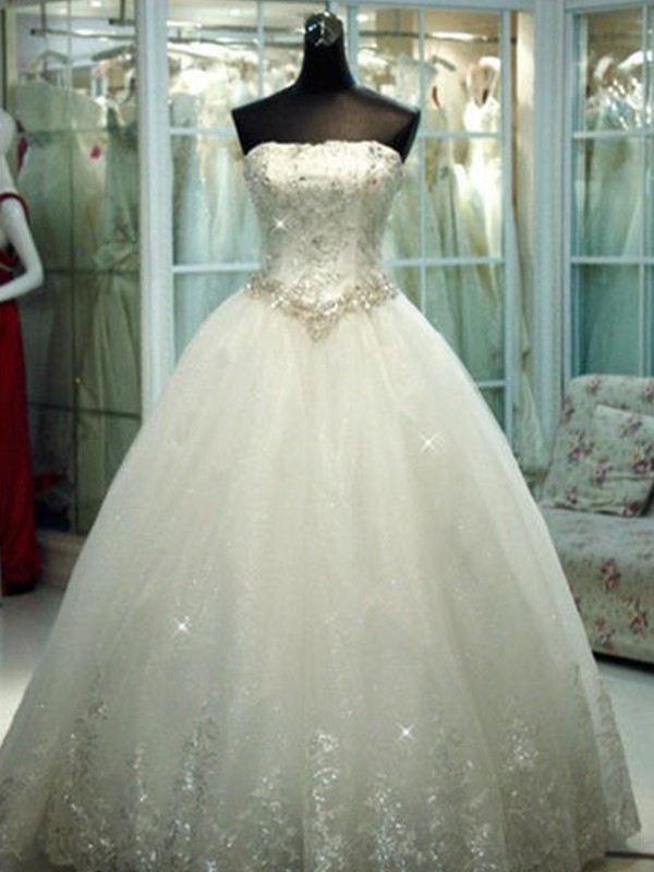 Floor-Length Ball Gown Strapless Tulle Wedding Dresses