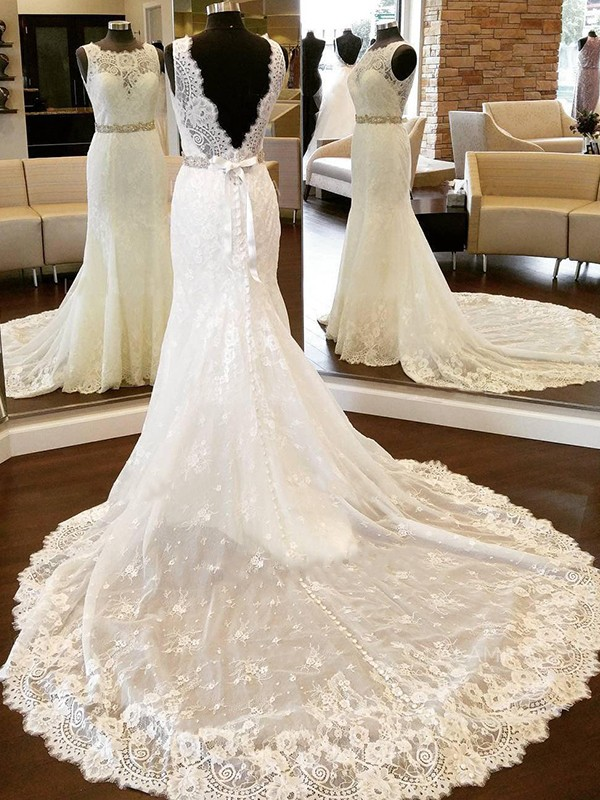 Chapel Train Sheath/Column Scoop Lace Wedding Dresses