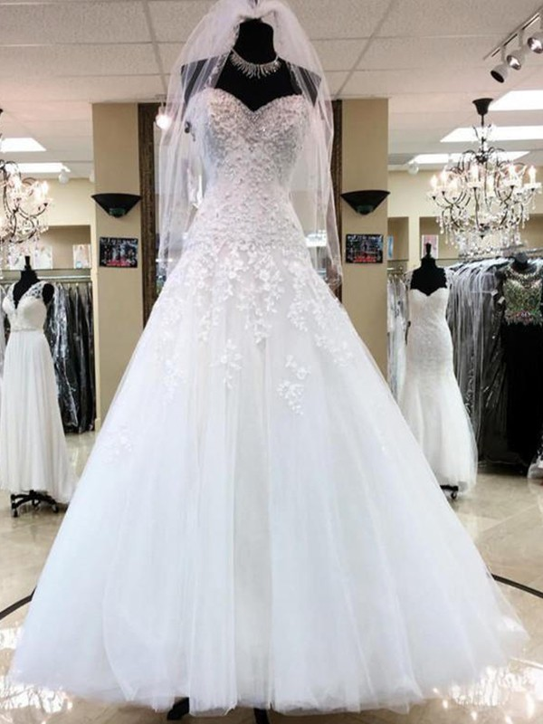 Floor-Length Ball Gown Sweetheart Tulle Wedding Dresses
