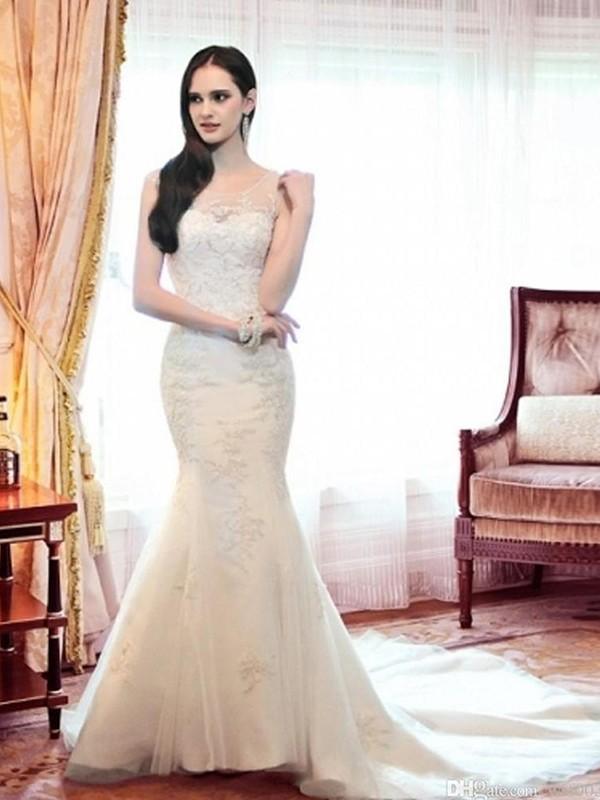 Court Train Trumpet/Mermaid Scoop Organza Wedding Dresses