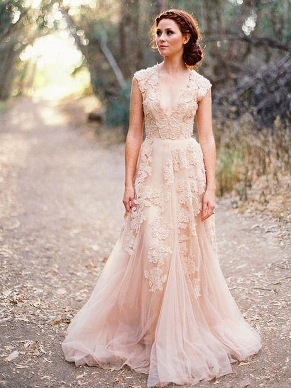 Sweep/Brush Train A-Line/Princess V-neck Tulle Wedding Dresses