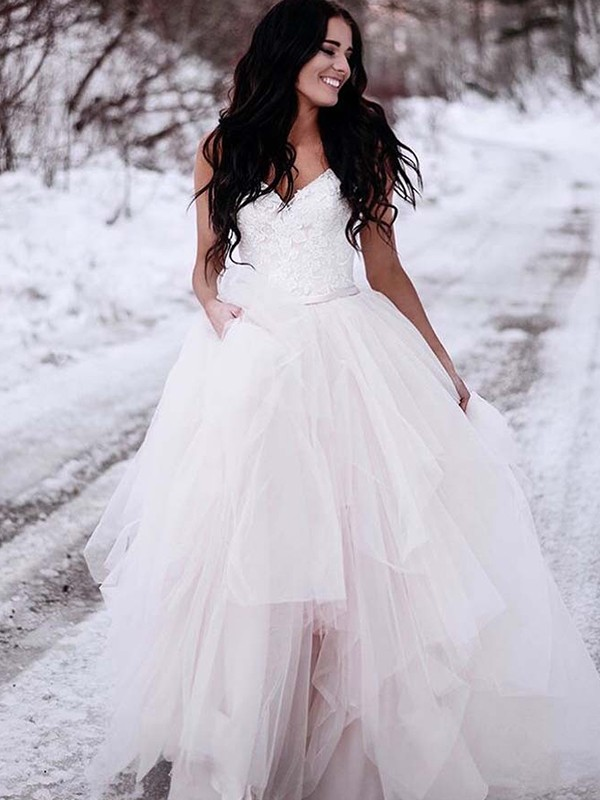 Floor-Length A-Line/Princess V-neck Tulle Wedding Dresses