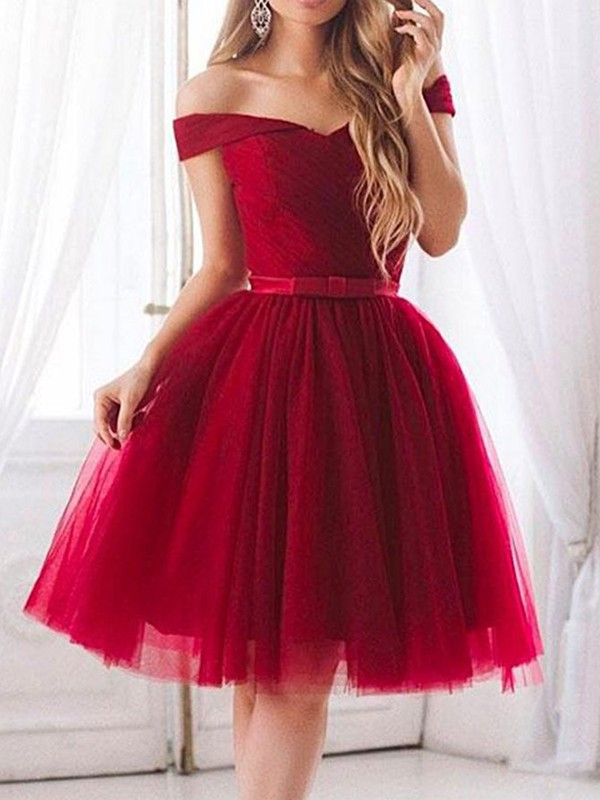 Knee-Length A-Line/Princess Sleeveless Off-the-Shoulder Tulle Dresses