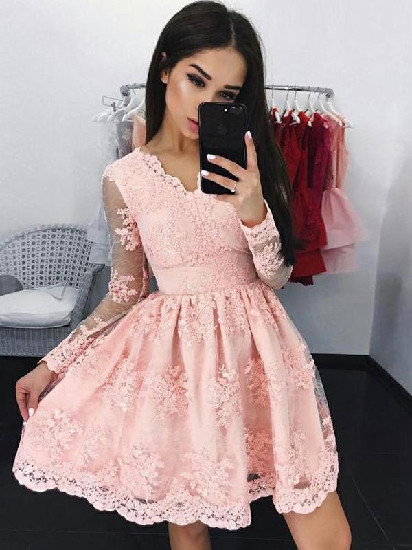 Short/Mini A-Line/Princess V-neck Long Sleeves Lace Homecoming Dress