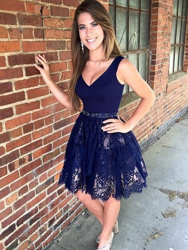 Short/Mini A-Line/Princess V-neck Sleeveless Lace Homecoming Dress