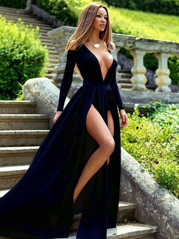 Sweep/Brush Train A-Line/Princess V-neck Long Sleeves Velvet Dresses