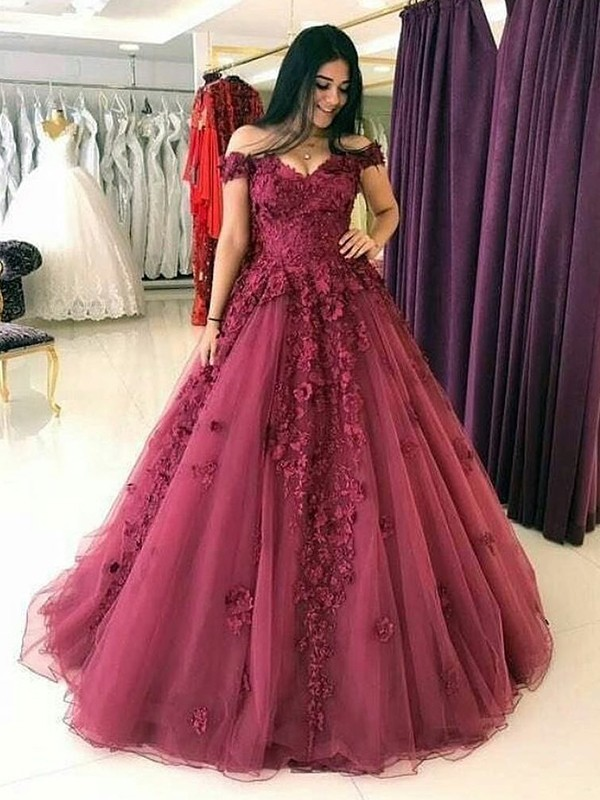 Sweep/Brush Train Ball Gown Off-the-Shoulder Sleeveless Tulle Dresses