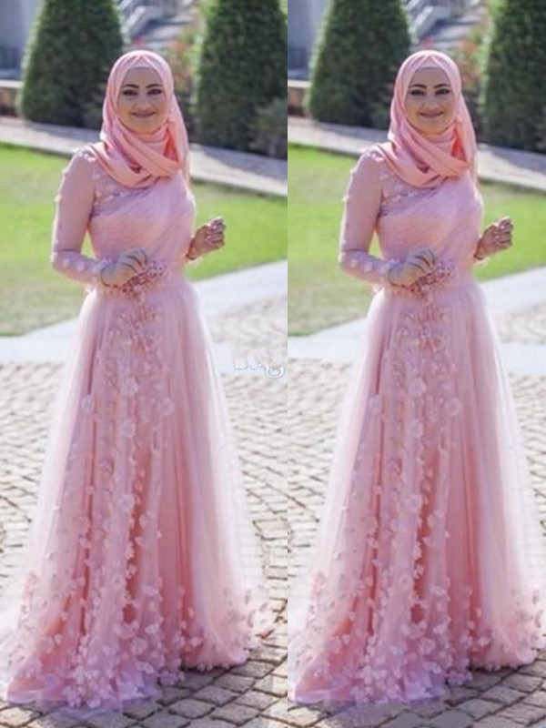 Sweep/Brush Train A-Line/Princess Scoop Long Sleeves Tulle Dresses