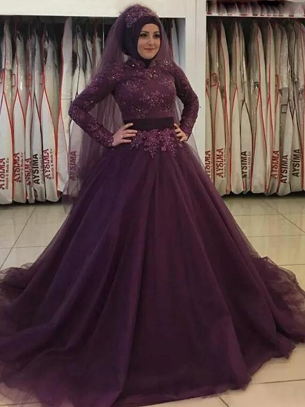 Sweep/Brush Train Ball Gown High Neck Long Sleeves Tulle Dresses