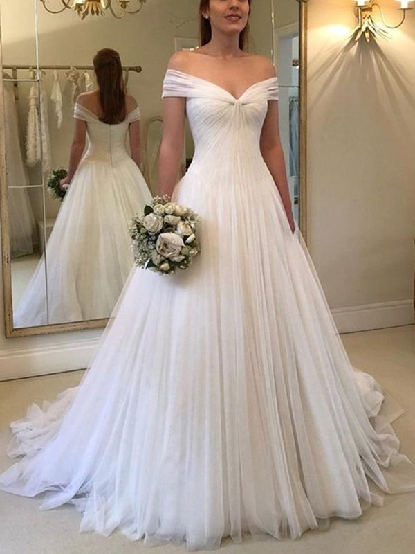 Sweep/Brush Train A-Line/Princess Off-the-Shoulder Sleeveless Tulle Wedding Dresses