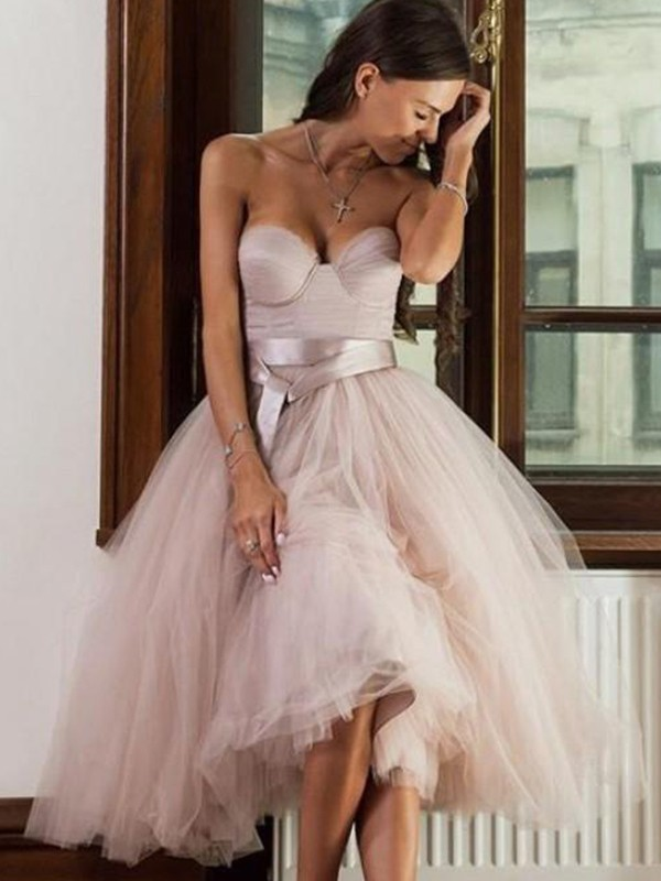 A-Line/Princess Tulle Sash/Ribbon/Belt Sweetheart Sleeveless Tea-Length Homecoming Dresses