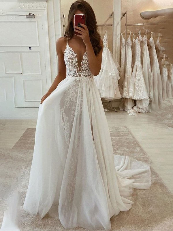 A-Line/Princess V-neck Sleeveless Tulle Applique Sweep/Brush Train Wedding Dresses