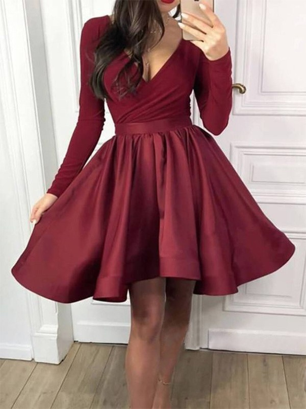A-Line/Princess Ruffles Long Sleeves V-neck Satin Short/Mini Homecoming Dresses