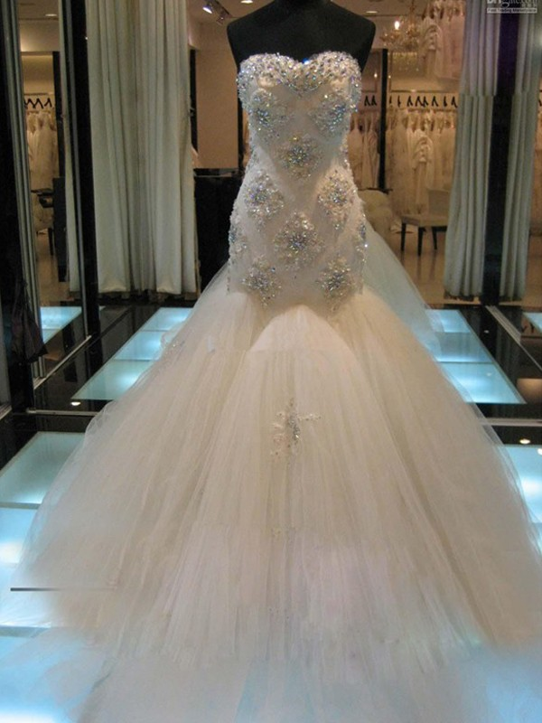 Chapel Train Trumpet/Mermaid Sweetheart Sleeveless Beading Tulle Wedding Dresses