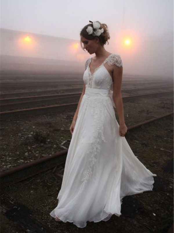 A-Line/Princess V-neck Sleeveless Lace Chiffon Wedding Dresses