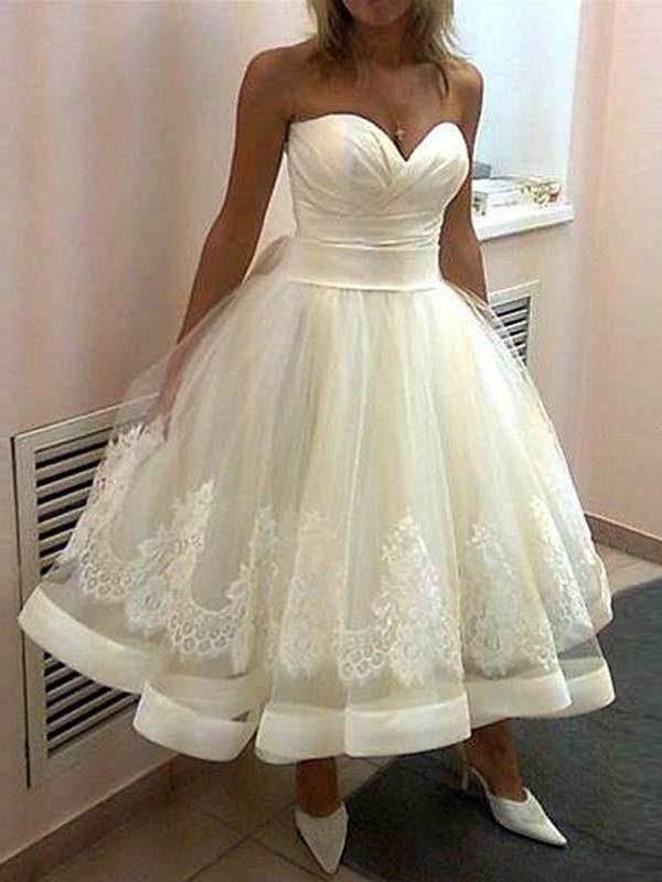 Tea-Length Ball Gown Sweetheart Sleeveless Applique Tulle Wedding Dresses