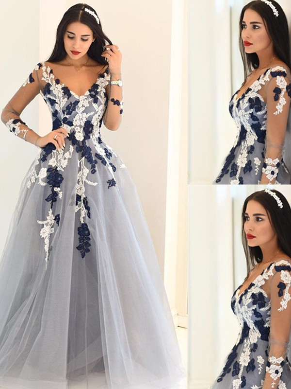 Sweep Train A-Line/Princess V-neck Long Sleeves Applique Tulle Dresses