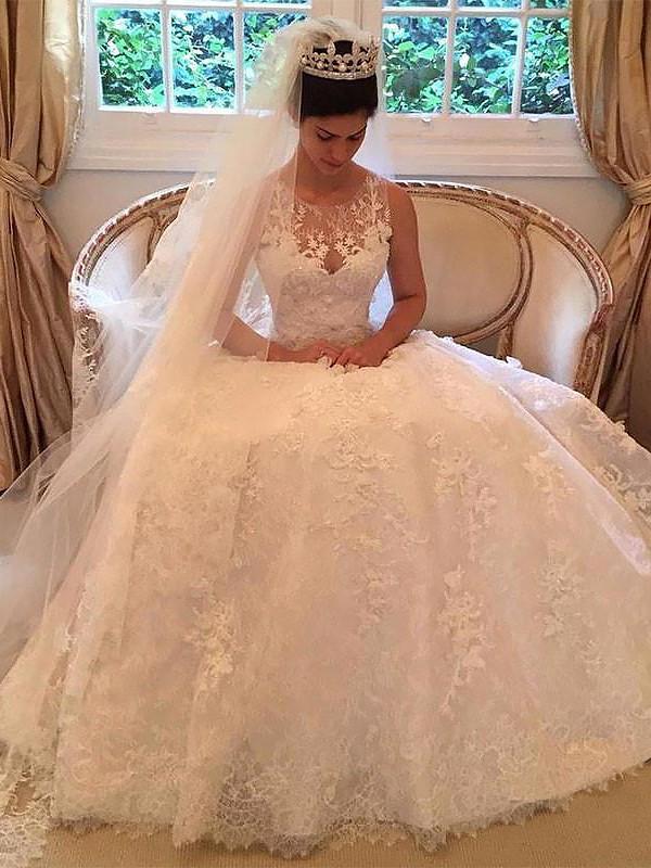 Court Train A-Line/Princess Sleeveless Scoop Lace Wedding Dresses