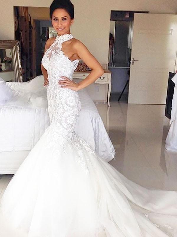 Court Train Trumpet/Mermaid Sleeveless Halter Tulle Wedding Dresses