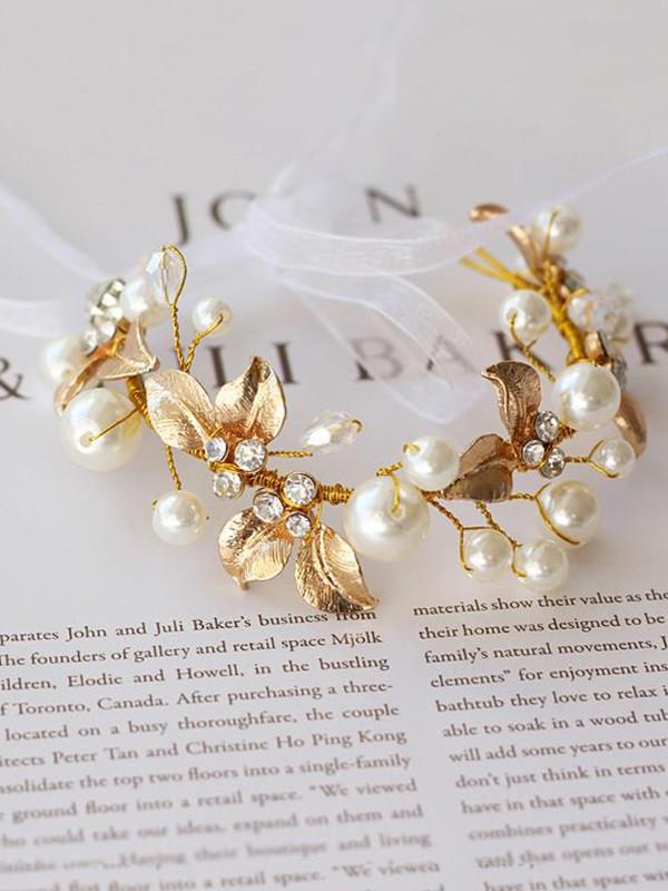 Delicate Imitation Pearl Wrist Corsage
