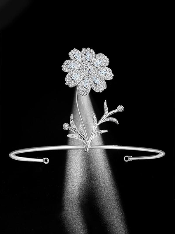 Elegant Bridal With Rhinestone Alloy Headpieces