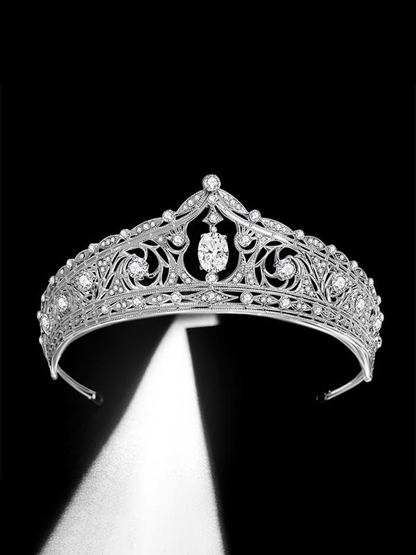 Particular Bridal With Rhinestone Alloy Headpieces
