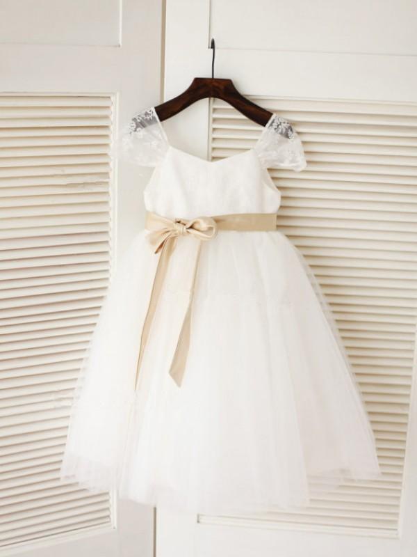Tea-Length Ball Gown Scoop Sleeveless Sash/Ribbon/Belt Tulle Dresses